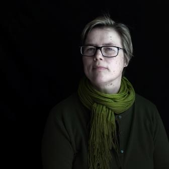 author-photo-lisa-matthews